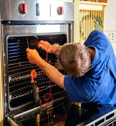 Oven Repair Man